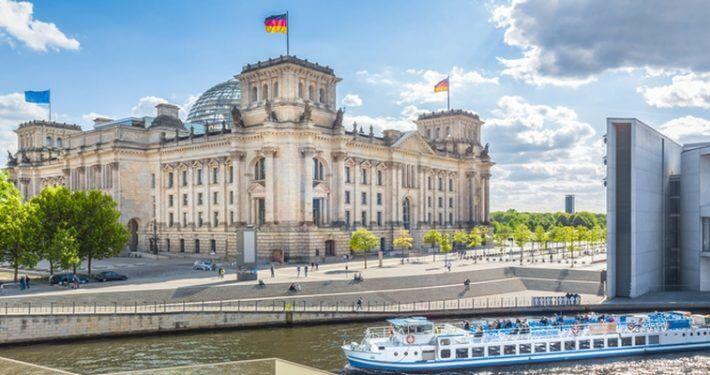 Symbolfoto Politik, Bundestag, © JFL Photography – Fotolia.com (#138699045)