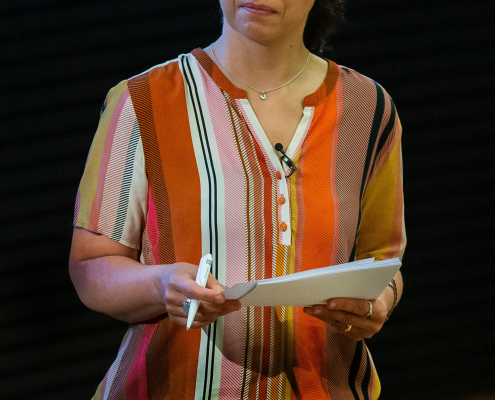 Dr. Julia Kropf, Moderation